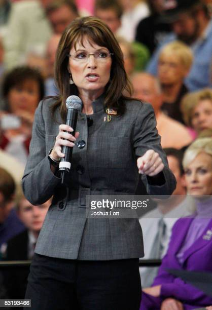Republican vicepresidential candidate Alaska Gov Sarah Palin speaks during a town hall meeting at the Center Court Sports Complex October 9 2008 in...