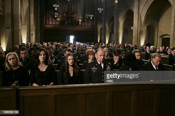 WING Requiem Episode 18 Aired Pictured Nina Siemaszko as Ellie Bartlet Annabeth Gish as Elizabeth Bartlet Westin Elisabeth Moss as Zoey Bartlet...