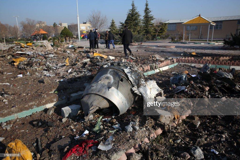 TOPSHOT-IRAN-UKRAINE-AVIATION-ACCIDENT-TOLL : News Photo
