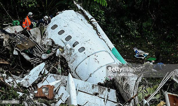 TOPSHOT Rescue teams work in the recovery of the bodies of victims of the LAMIA airlines charter that crashed in the mountains of Cerro Gordo...