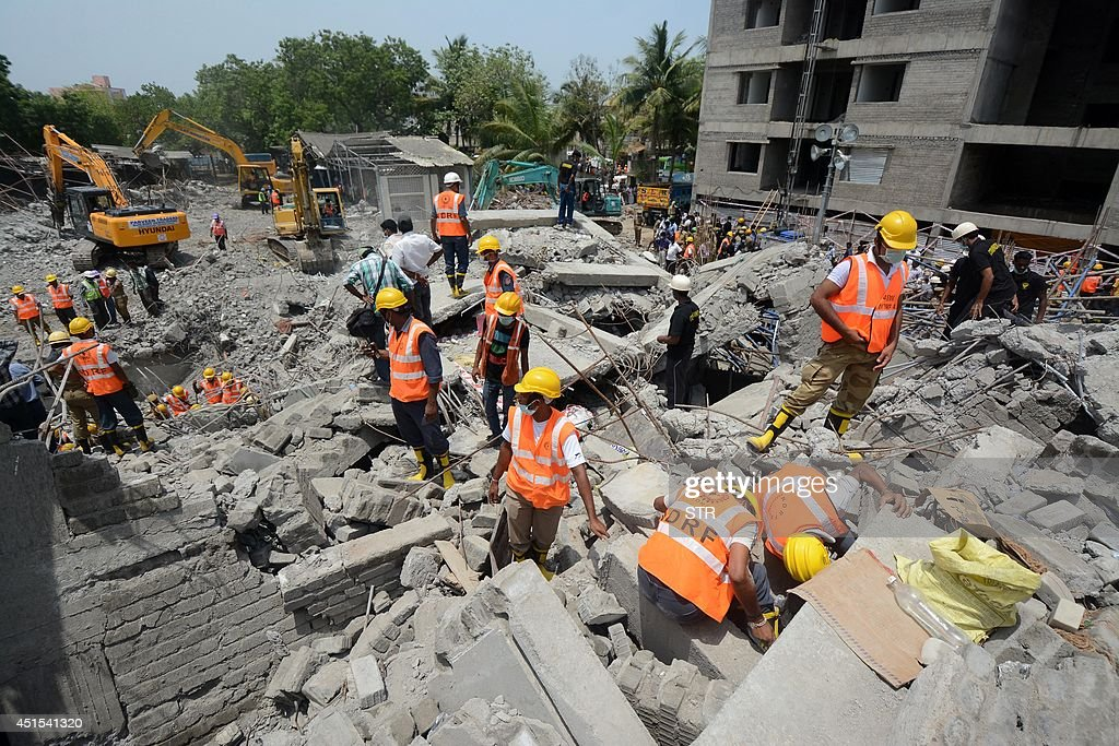 INDIA-DISASTER-BUILDINGS : News Photo