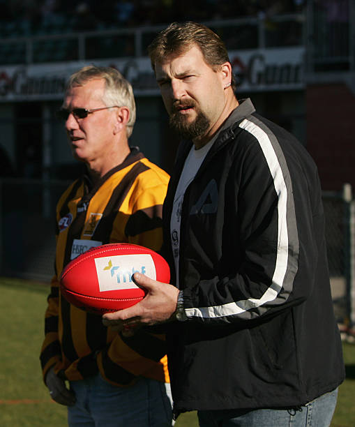 AFL Rd 12 - Hawthorn v Richmond Photos and Images | Getty Images