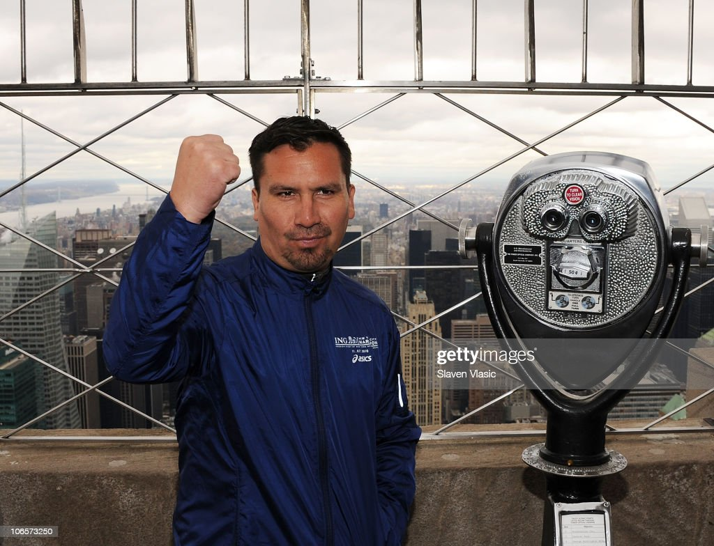 Edison Pena Visits The Empire State Building