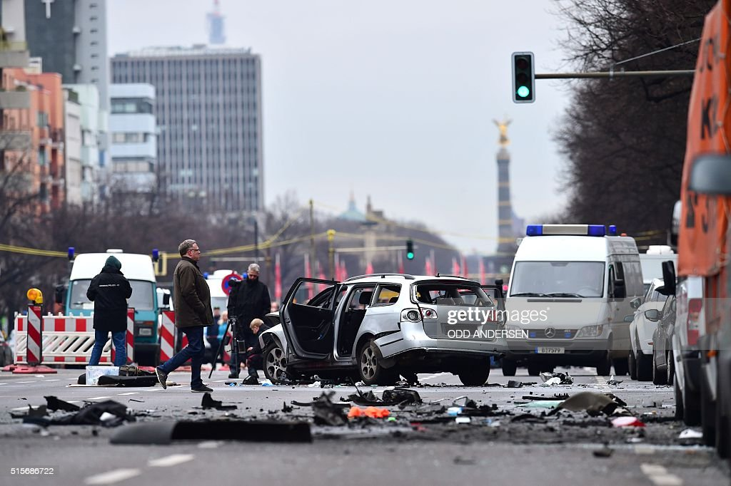 GERMANY-BLAST-CAR : News Photo