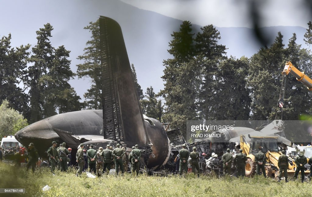 ALGERIA-MILITARY-ACCIDENT-CRASH : News Photo