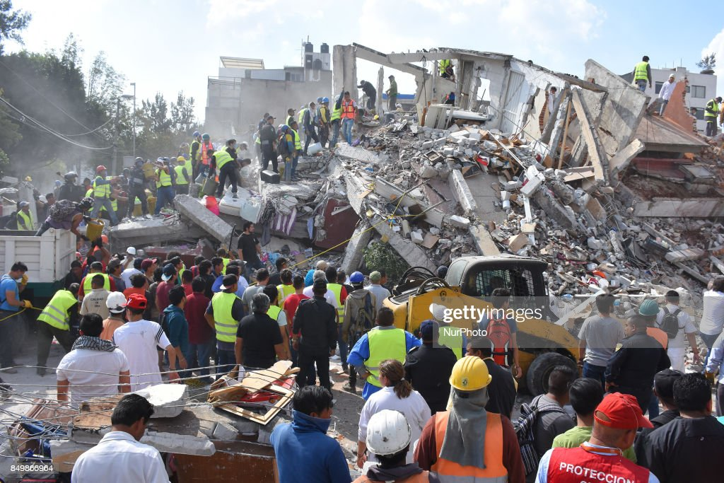 7.1 Earthquake occurred in Mexico City : News Photo