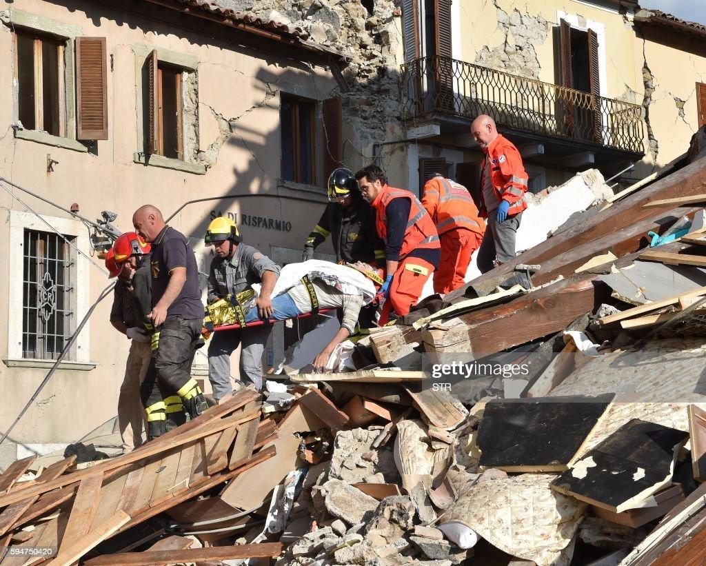TOPSHOT-ITALY-QUAKE : News Photo