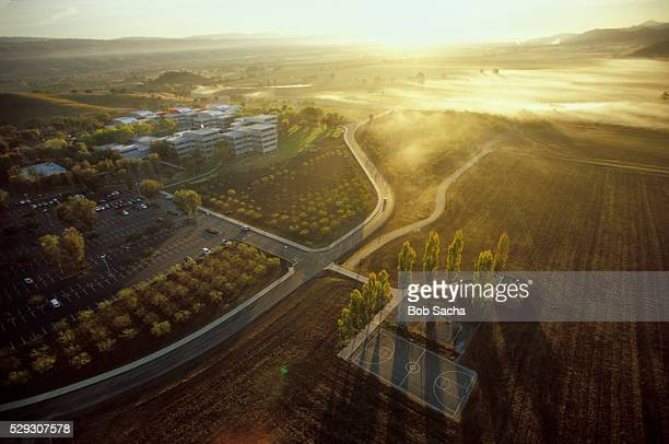 ibm research lab (top left) adjacent to agricultural land - birthplace of silicon valley stockfoto's en -beelden