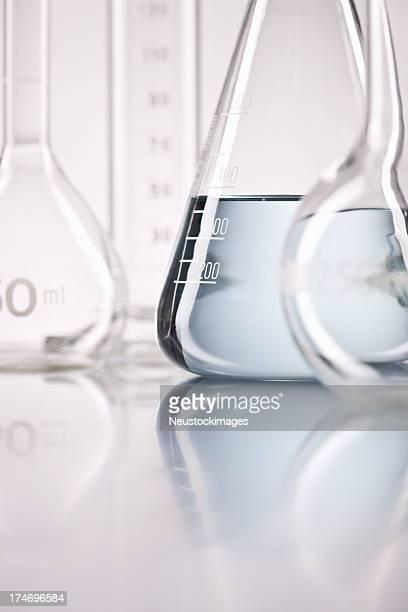 調査実験用ガラス器具、体積フラスコ