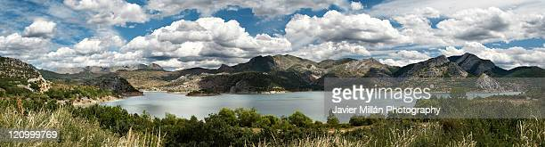 reservoir barrios de luna, leon - león province spain stock pictures, royalty-free photos & images