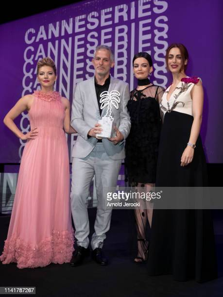 Reshef Levi pose with members of the jury Canadian actress Katheryn Winnick FrenchBritish actress Emma Mackey and Italian actress Miriam Leone after...