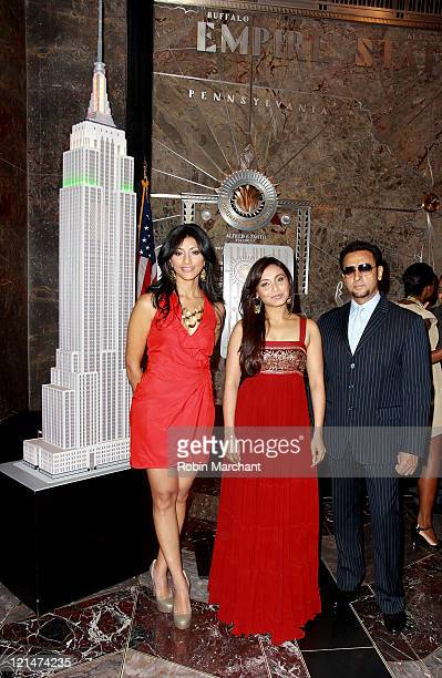 Reshma Shetty Rani Mukherjee and Gulshan Grover visit the The Empire State Building on August 19 2011 in New York City