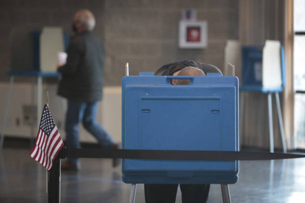 WI: Wisconsin Voters Go To The Polls On The Last Day Of Early Voting