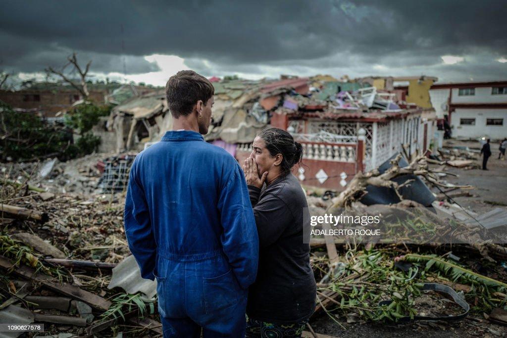TOPSHOT-CUBA-WEATHER-TORNADO : News Photo