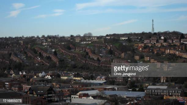 residential area on hill in townscape - ハイウィッカム ストックフォトと画像