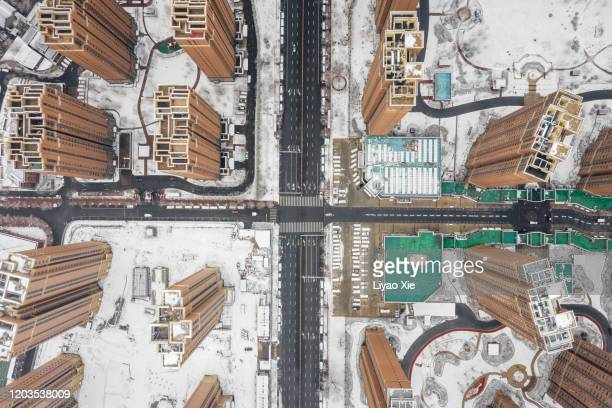 residential buildings after snow - liyao xie stock pictures, royalty-free photos & images