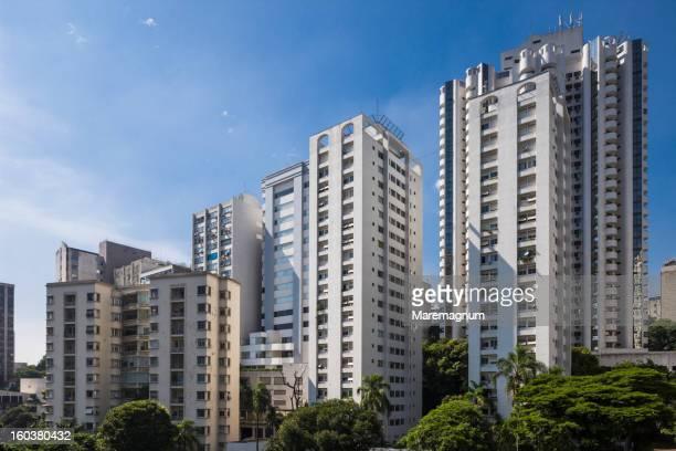 residential buildings near paulista street - exterior de prédio - fotografias e filmes do acervo
