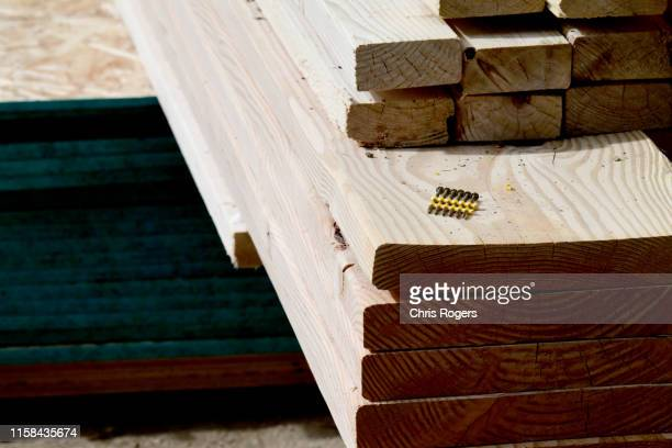 residential construction - construction material stock pictures, royalty-free photos & images