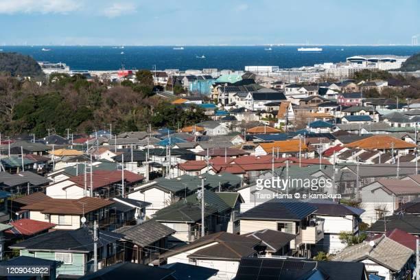 residential district by the sea in kanagawa prefecture of japan - präfektur kanagawa stock-fotos und bilder