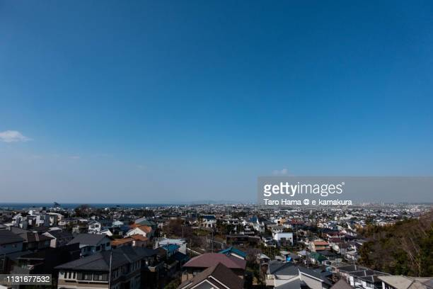 residential district by the sea, sagami bay (pacific ocean) in fujisawa, chigasaki and hiratsuka cities in kanagawa prefecture in japan - 住宅地 ストックフォトと画像