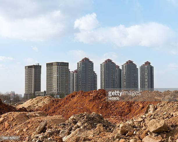 residential district construction site - council flat stock pictures, royalty-free photos & images
