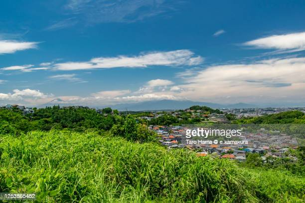 residential districts and mt. fuji in kanagawa prefecture of japan - taro hama ストックフォトと画像