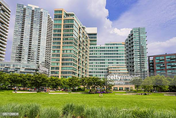 residential highrises in long island city, queens, new york. - long island city stock photos and pictures