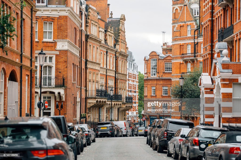 Residential houses in Kensington and Chelsea district, London, UK : ストックフォト