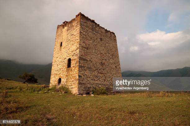 residential medieval tower (family dwelling), ingushetia, caucasus - chechnya stock pictures, royalty-free photos & images