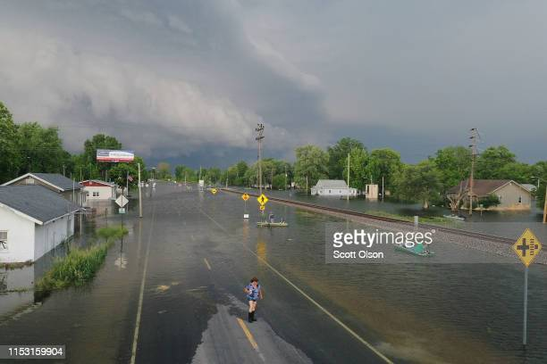 Residents cope as floodwater from the Mississippi River rises on June 1 2019 in Foley Missouri The middlesection of the country has been experiencing...