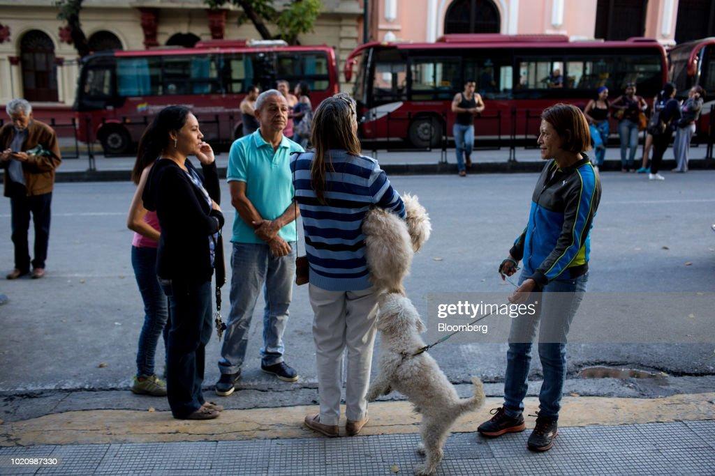 Buildings Evacuated In Venezuela's Capital As Earthquake Shakes Country