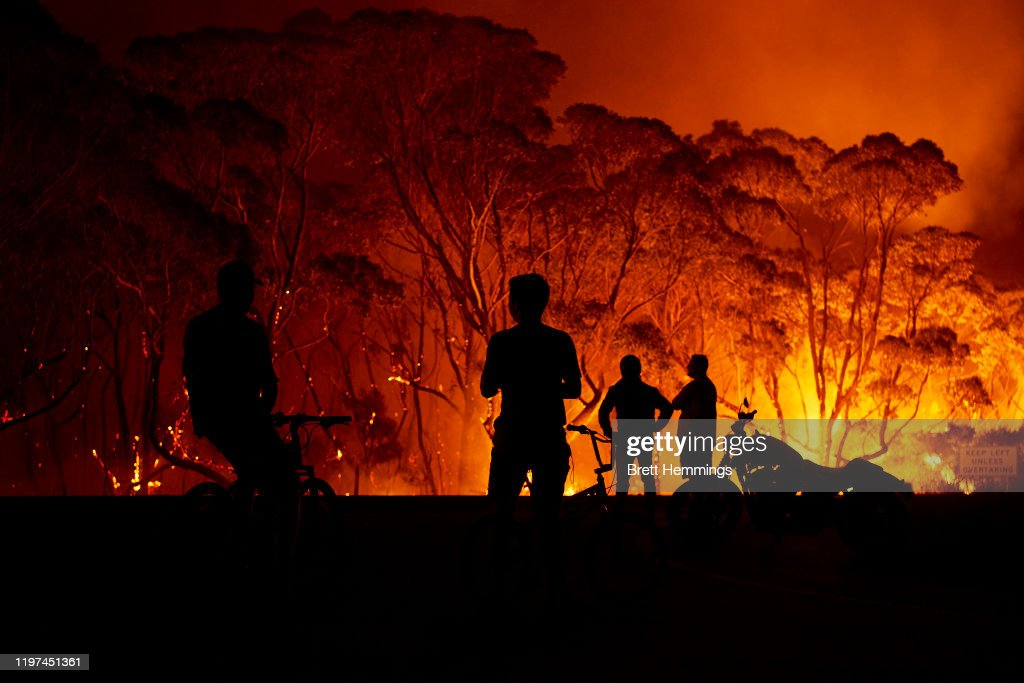 Evacuation Notices Issued Across NSW As Firefighters Prepare For Dangerous Bushfire Conditions : News Photo