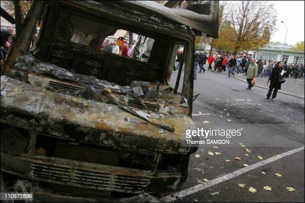 Residents of AulnaysousBois are demonstrating for appeasement in the streets of their town in the suburb of Paris after 10 nights of trouble in...
