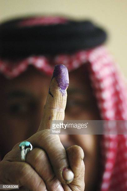 residents of baghdad go to the polls - voting stock pictures, royalty-free photos & images