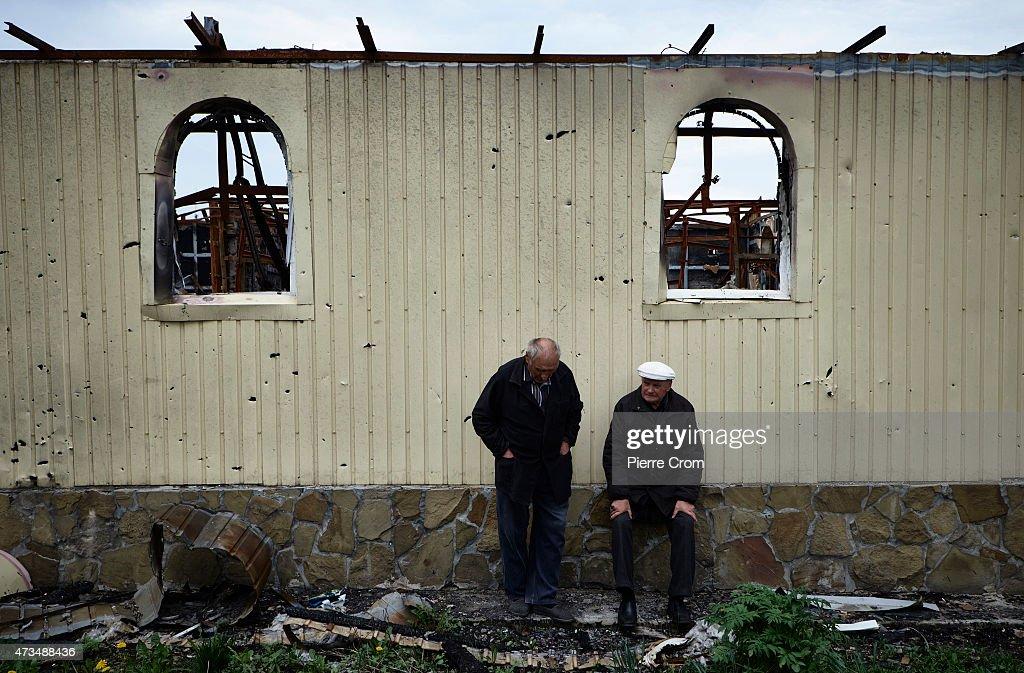 Residents Return To Nikishyne : News Photo