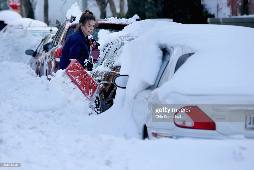 U.S. East Coast Digs Out After Historic Snowstorm : News Photo