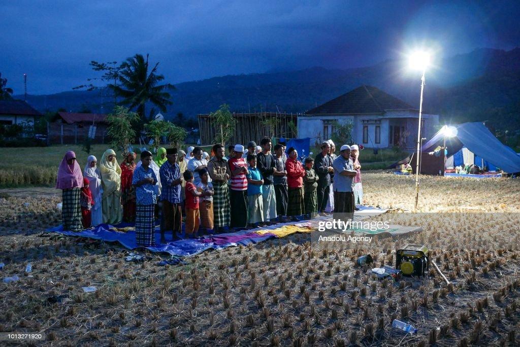 Lombok earthquake evacuation shelter : News Photo