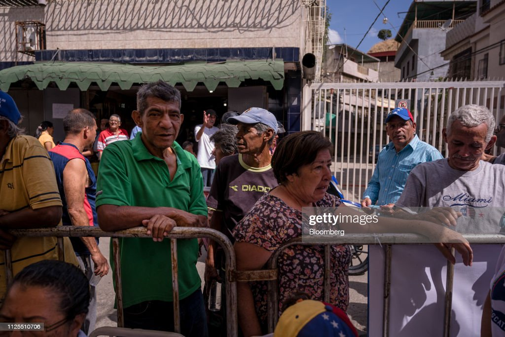 VEN: Venezuelan Opposition Sends Medical Help to Nation's Slums