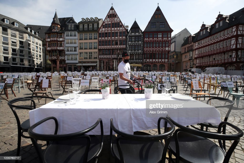 Restaurateurs Protest Lockdown During The Coronavirus Crisis : Nieuwsfoto's