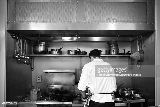 restaurant chef at work - afzuigapparaat stockfoto's en -beelden