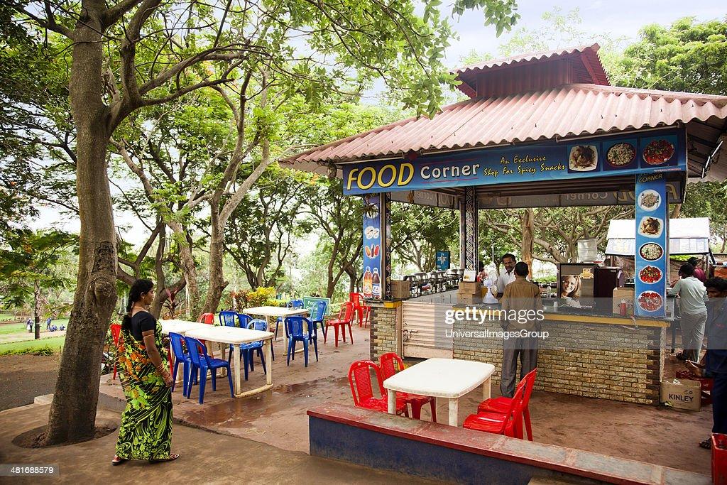 Restaurant in a park, Kailasagiri Park, Vishakhapatnam, Andhra Pradesh, India : ニュース写真