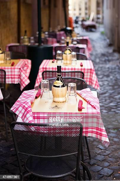 ristorante in via del governo vecchio - - roma lazio foto e immagini stock