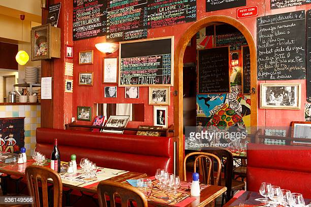 restaurant les quatres chats in trouville, france - calvados stock pictures, royalty-free photos & images
