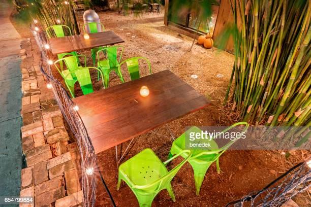 restaurante pátio na rua rainey em austin texas estados unidos da américa - usa - fotografias e filmes do acervo