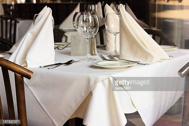 restaurant table setting linens glasses silverware - napkin stock pictures, royalty-free photos & images