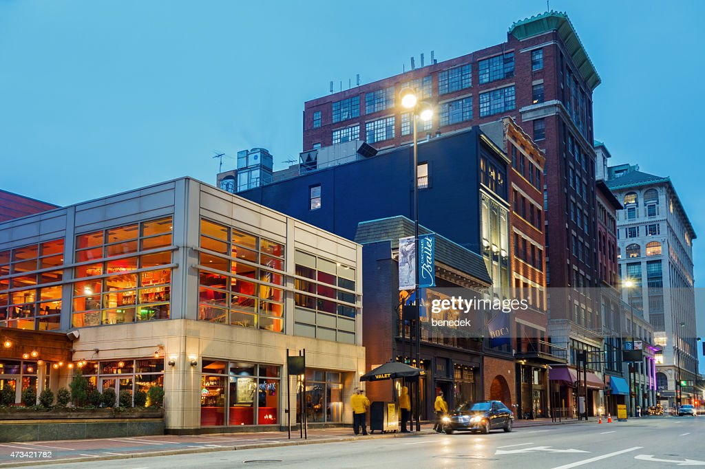 Restaurants And Parking Valets In Downtown Cincinnati Ohio Usa Stock Photo