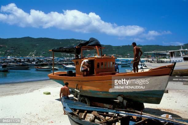 Restauration d'un bateau de peche Restauration d'un bateau de peche