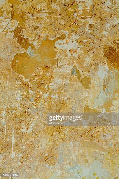 Reste von Tapeten Symbolfoto für Wohnungsauflösung Veränderung Verfall