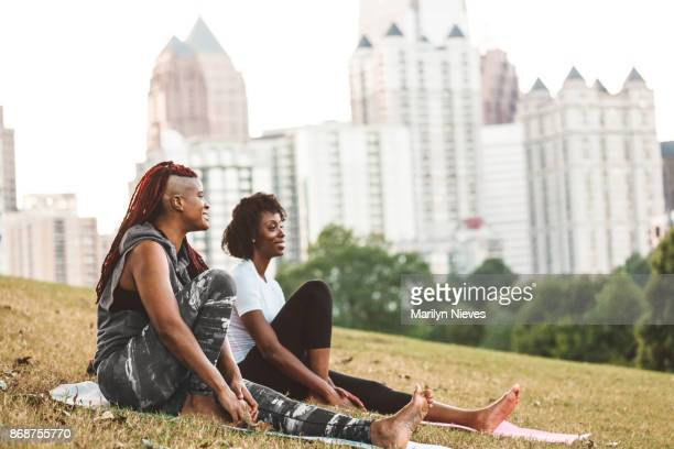 resting after a workout in the park - atlanta georgia stock pictures, royalty-free photos & images