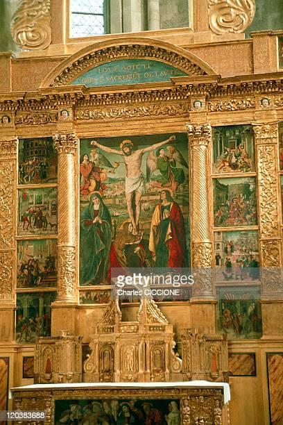 Restoring Ronzen Basilica Of Saint Maximin In France Altarpiece of the sixteenth century